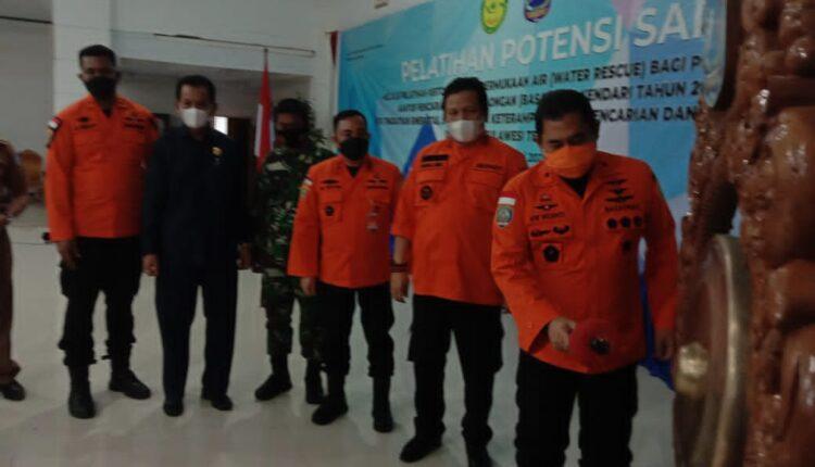 Basarnas Kendari Gelar Pelatihan Potensi SAR : Rusman Menyiapkan Kantor di Muna