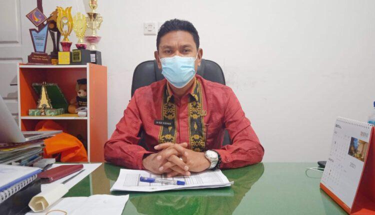 Dinkes Busel Bersama TNI Gencar Sosialisasikan Vaksinasi